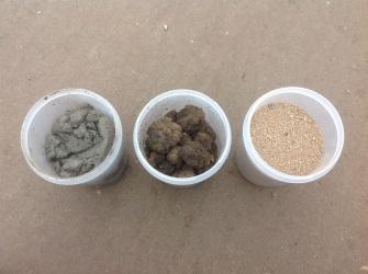 Исходный шлам биологической очистки сточных вод (слева), он же после осушки (в центре) и после термической утилизации