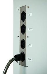 Управление насадками на бочки присоединяется к пульту управления специальными контактами